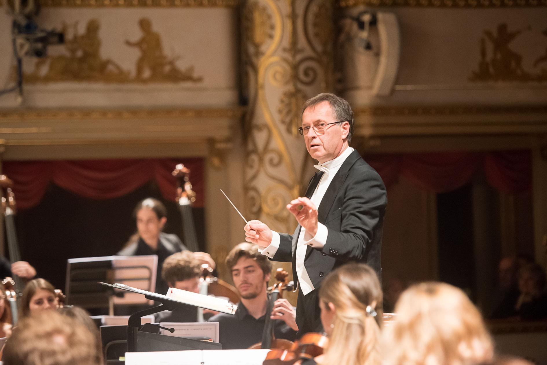 Il direttore d'orchestra Giovanni Di Stefano